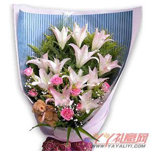 """鲜花9朵粉玫瑰12朵白香水百合5""""小熊一只"""