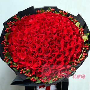 完美的爱-99朵红玫瑰搭配红豆
