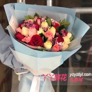 懂你-11朵红玫瑰11朵香槟玫瑰11朵戴安娜搭配相思梅栀子叶