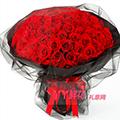 99朵红玫瑰黑色牛皮纸黑纱包裹