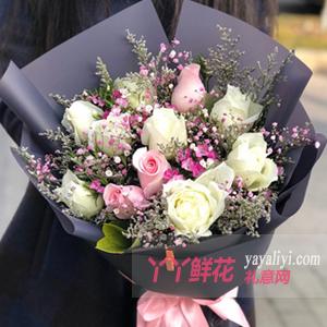 甜蜜的愛情-8朵白玫瑰3朵粉玫瑰配粉色滿天星