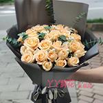 33朵香檳玫瑰尤加利葉間插