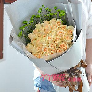 網上花店33朵香檳玫瑰小綠菊