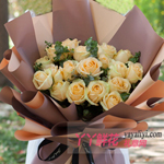 33朵香槟玫瑰尤加利叶
