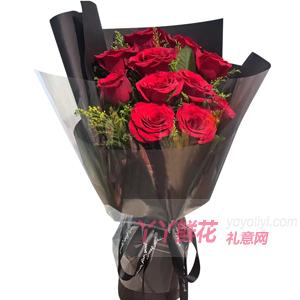11朵红玫瑰适量黄莺
