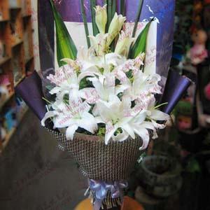鲜花10支西伯利亚百合