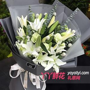 美好生活-5枝白色多頭香水百合白色洋桔梗尤加利葉