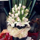 鲜花19支白玫瑰2支百合