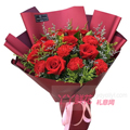 9枝红色康乃馨11枝红玫瑰搭配黄莺