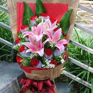 真愛依舊-鮮花速遞19支紅玫瑰2支百合