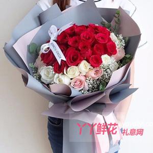 24朵紅玫瑰9朵白玫瑰3...