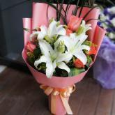 鲜花12支粉玫瑰3支香水百合