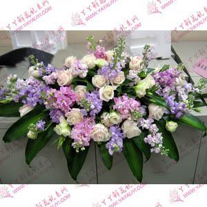 白玫瑰紫羅蘭臺花桌花