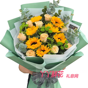 生日送11朵香槟玫瑰7朵向日葵配