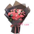 19朵粉色康乃馨2朵戴安娜玫瑰搭配银叶菊尤加利