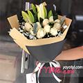 11朵香槟玫瑰6朵白色百合搭配银叶菊栀子叶