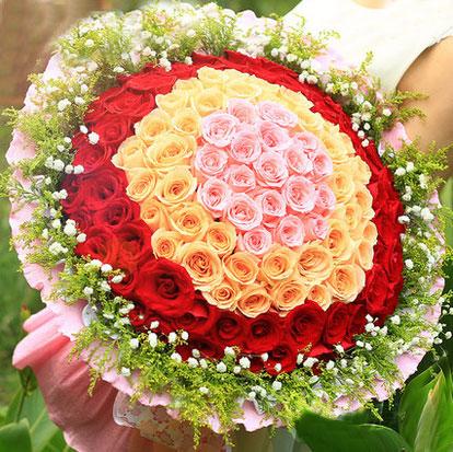 鲜花-99朵混色心形玫瑰花送花