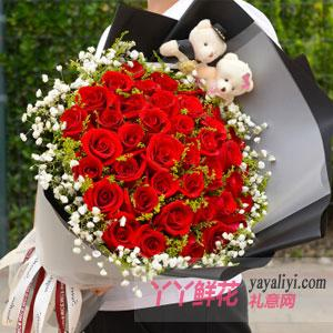 33朵紅玫瑰2只小熊