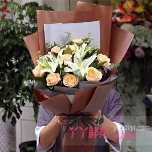 11朵香槟玫瑰2枝多头白...